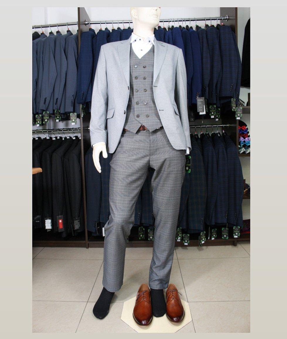 Szary garnitur kamizelka i spodnie w krate